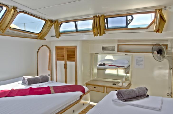 Catamaran - Cataleya