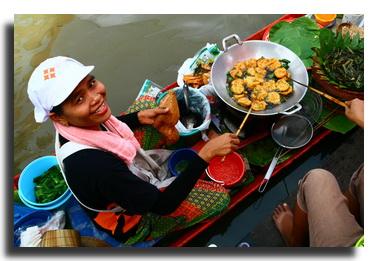 floading market in Thailand
