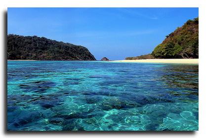 Sailing tour to Koh Rok island in Thailand
